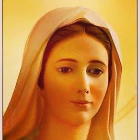 Es mi madre que con su infinito amor cuida a sus hijos. Que sus lágrimas derramadas son la muestra de fe y símbolo de amor. Mario Villalobos - maria